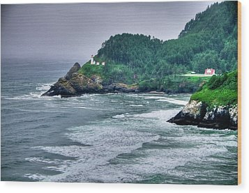 Gloomy Heceta Lighthouse  Wood Print by Connie Cooper-Edwards
