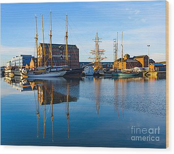Gloucester Docks Wood Print by Colin Rayner