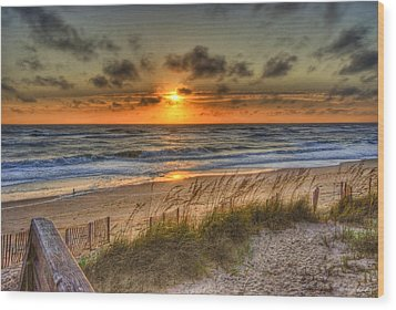 God's Promise Of A New Day Wood Print by E R Smith