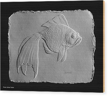 Wood Print featuring the relief Gold Fish 1 by Suhas Tavkar