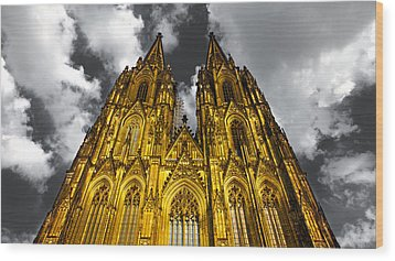 Golden Dome Of Cologne Wood Print by Thomas Splietker