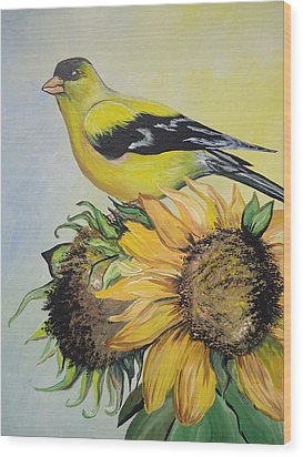 Goldfinch Wood Print by Leslie Manley