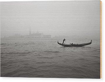 Gondola Nella Nebbia 193042x Wood Print by Marco Missiaja