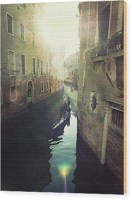 Gondolas In Venice Against Sun Wood Print by Marco Misuri