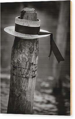 Gondolier Hat Wood Print by Dave Bowman