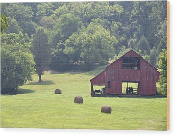 Grampa's Summer Barn Wood Print by Jan Amiss Photography