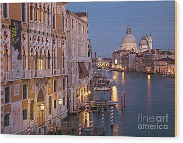 Wood Print featuring the photograph Grand Canal Twilight by Brian Jannsen