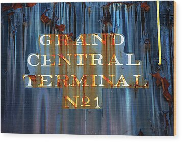 Wood Print featuring the photograph Grand Central Terminal No 1 by Karol Livote