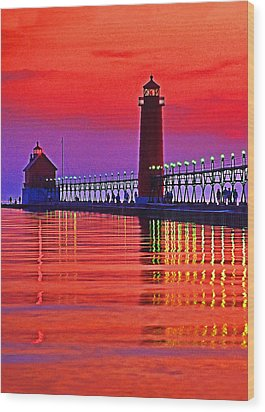 Grand Haven Lighthouse Wood Print by Dennis Cox