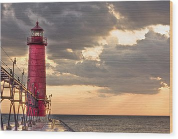 Grand Haven Lighthouse Hdr Wood Print by Jeramie Curtice