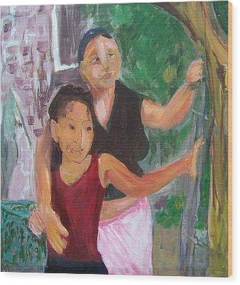 Grandmother And Grand-daughter In  Honduras Wood Print by Ellen Seymour