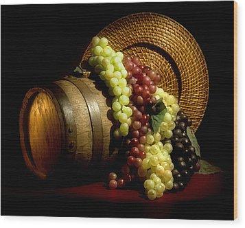 Grapes Of Wine Wood Print by Tom Mc Nemar