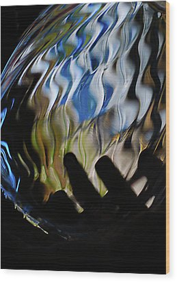 Wood Print featuring the photograph Grasping At Curves by Susan Capuano