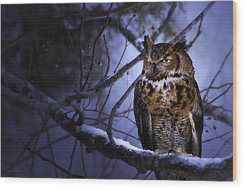 Great Horned Wood Print by Ron Jones