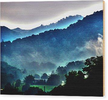 Great Smokey Mountains Wood Print by Susanne Van Hulst