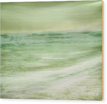 Green And Gold  Wood Print by Linde Townsend