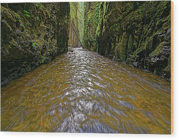 Wood Print featuring the photograph Green Flow by Jonathan Davison