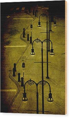Green Light Wood Print by Susanne Van Hulst