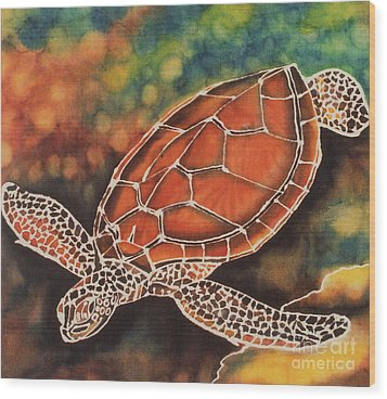 Green Sea Turtle Wood Print by Jacqueline Phillips-Weatherly