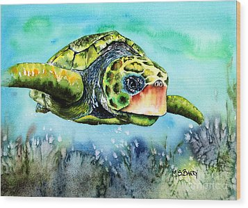 Green Turtle Wood Print by Maria Barry