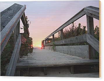 Greeting The Sunrise Wood Print by Mary Haber
