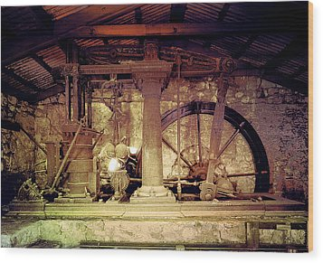 Wood Print featuring the photograph Grunge Cane Mill by Robert G Kernodle