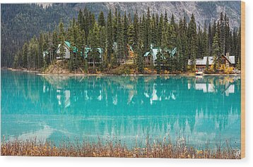 Wood Print featuring the photograph Emerald Lake by Pierre Leclerc Photography