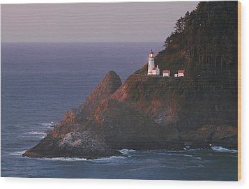 Haceta Head Lighthouse At Sunset Wood Print