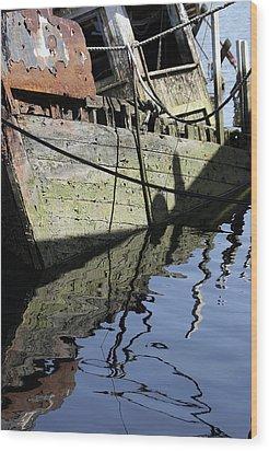 Half Sunk Boat Wood Print by Bob Slitzan