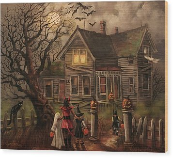 Halloween Dare Wood Print by Tom Shropshire
