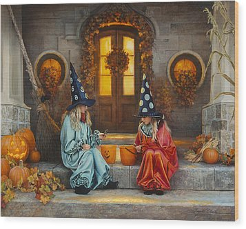 Halloween Sweetness Wood Print by Greg Olsen