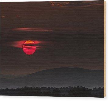 Haloed Sunset Wood Print