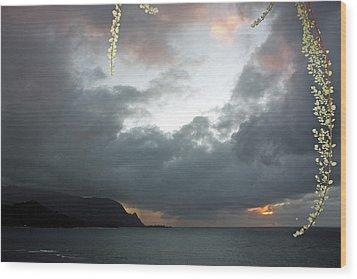 Hanalei Bay Sunset Wood Print by Kathy Yates