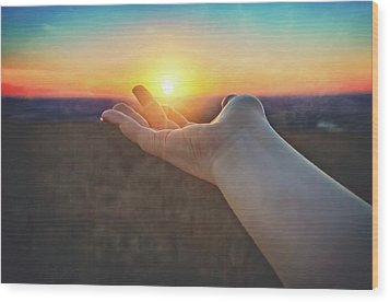 Wood Print featuring the photograph Hand Holding Sun - Sunset At Lapham Peak - Wisconsin by Jennifer Rondinelli Reilly - Fine Art Photography
