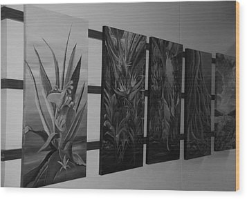 Wood Print featuring the photograph Hanging Art by Rob Hans