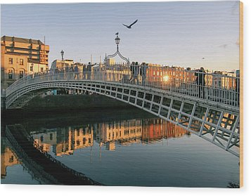 Ha'penny Bridge Wood Print
