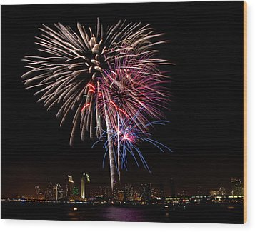 Happy Fourth Of July Wood Print by Thanh Thuy Nguyen