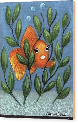 Happy Goldfish Wood Print by Sandra Estes