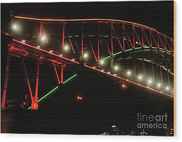 Wood Print featuring the photograph Harbor Bridge Green And Red By Kaye Menner by Kaye Menner