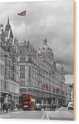 Harrods Of Knightsbridge Bw Hdr Wood Print