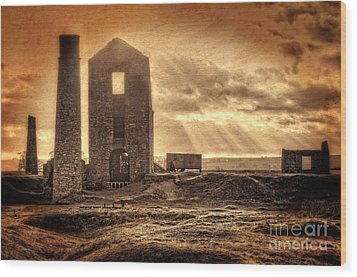 Haunted Britain - Magpie Mine Wood Print