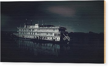 Haunted Dinner Cruise On The Columbia River  Wood Print by Lisa Kaiser
