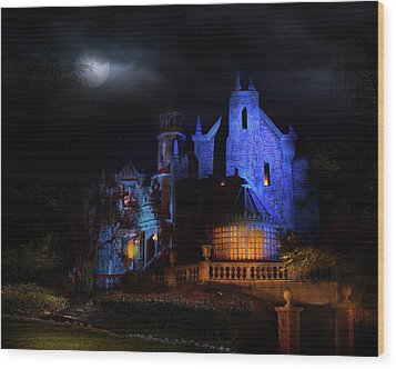 Haunted Mansion At Walt Disney World Wood Print