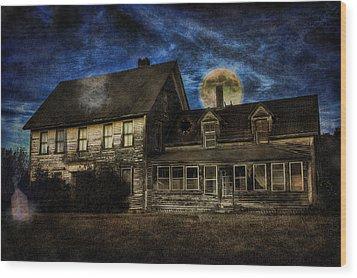 Haunted Nights Wood Print by Gary Smith