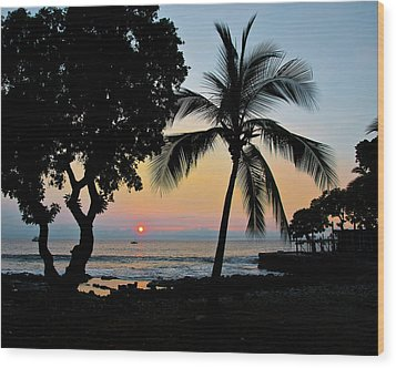 Hawaiian Big Island Sunset  Kailua Kona  Big Island  Hawaii Wood Print by Michael Bessler