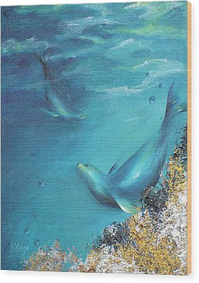 Wood Print featuring the painting Hawaiian Monk Seals by Dina Dargo