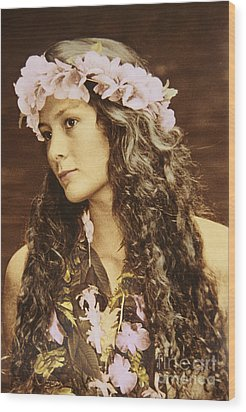Hawaiian Wahine Wood Print by Himani - Printscapes
