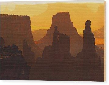 Hazy Sunrise Over Canyonlands National Park Utah Wood Print by Utah Images