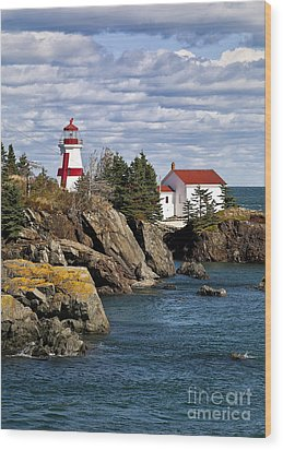 Head Harbour Lighthouse Wood Print by John Greim