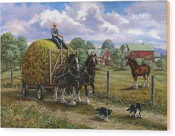 Heading For The Loft Wood Print by Richard De Wolfe